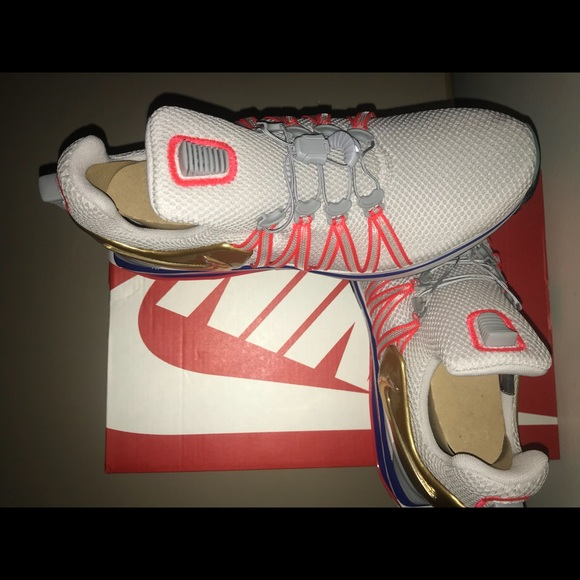 9338c5698c27 Nike Shox Gravity Metallic Gold Grey